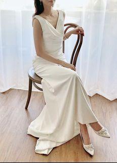 Simple & Elegant Wedding Dress