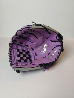 Wilson: Cat Osterman Baseball Glove
