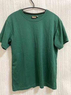 🎁免費送🎁深綠色 透氣 運動 上衣(中性款)