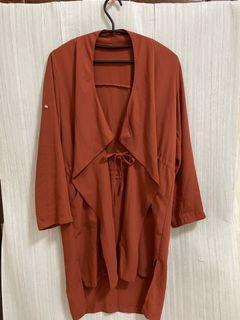 ✨近新 韓國製 秋天氣息 橘紅色 熔岩紅 垂墜感 腰部 綁帶 修身 長版 雪紡 外套