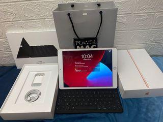 Brandnew Ipad 8th Gen with Apple Smart Keyboard