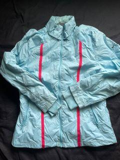 Nike 二手 女生 保暖風衣外套 污損狀況如圖 女生M號