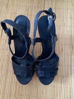 Pump shoes charles & keith