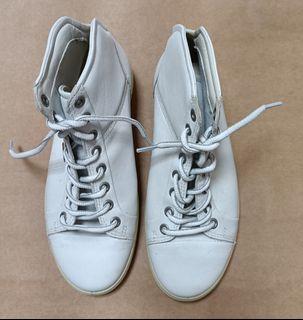 北歐丹麥ecco高筒白色氣墊休閒鞋