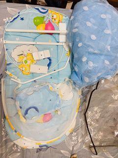 嬰兒小床含蚊帳 二手