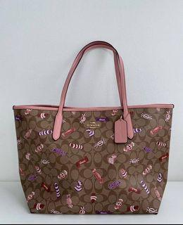 Coach City in Signature Canvas with Candy Print