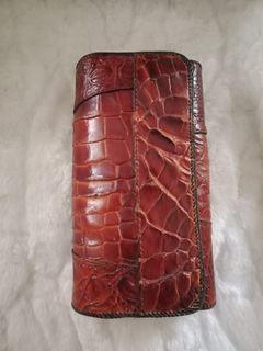 Dompet kulit buaya papua