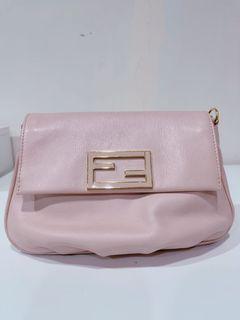 Fendi粉色金鏈正品斜背包