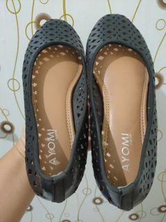 Flatshoes black -baca deskripsi-