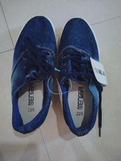 [FREE ONGKIR] Sepatu sneakers jeans wanita uk 36