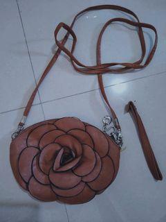 [FREE ONGKIR] Tas slingbag pouch tali wanita bunga mawar coklat