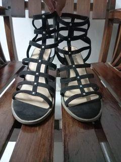 heels ukuran besar brash