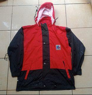 Jaket Outdoor Kway Red Black