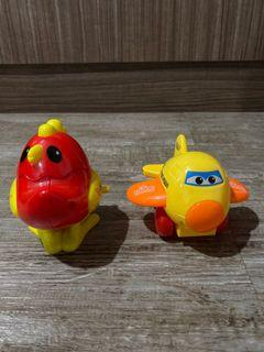 Mainan anak pesawat dan ayam , bisa gerak