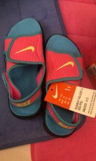 Nike涼鞋