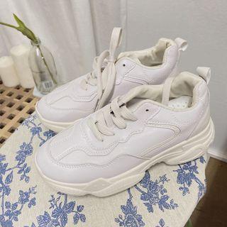 35號全新 白色小白鞋 pu皮質
