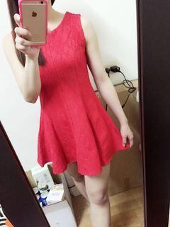 全新紅色洋裝