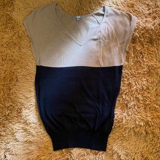 Uniqlo black khaki knitted blouse