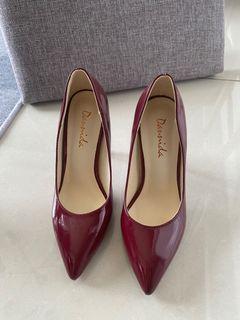 漆皮酒紅色高跟鞋