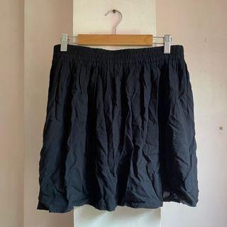 Forever 21 Rayon gartered black skirt