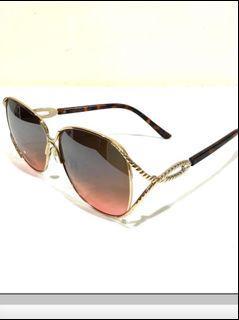全新ROCAWEAR美購超美粉玫瑰金框漸層粉咖啡玳媢鏡架UV防護少見太陽眼鏡.鏡袋.鏡盒不包括.沒有實拍照.