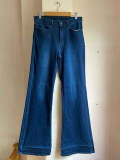 Uniqlo Dark Wash High Waisted Flared Jeans