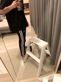 Adidas運動長褲(微窄但不會貼)