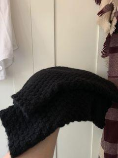 Aritzia Babaton circle scarf