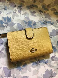 Repriced!! ❤️Coach Bi fold Wallet