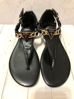 (只有1雙)Guess黑色金屬倒三角LogoG吊飾皮質平底夾腳涼鞋夾趾涼鞋