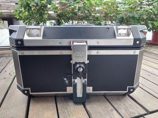 Givi TREKKER OUTBACK 58 M8B 鋁製底盤 E158 後靠墊