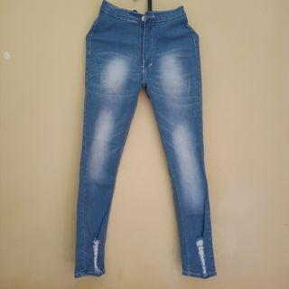 Jeans HW free anting bulat