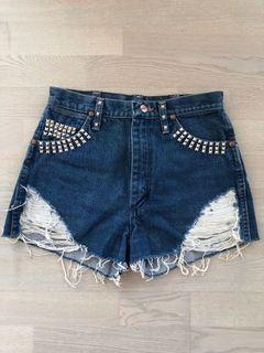 Levi's wrangler jean shorts (small)