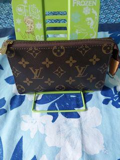 Pre-owned LV Wallet