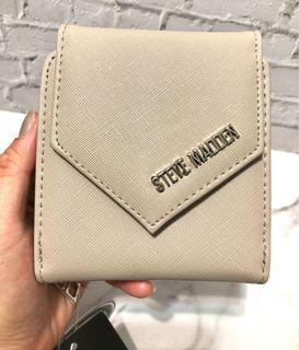 (僅一個)Steve Madden奶茶米灰色信封磁扣零錢包短夾中夾
