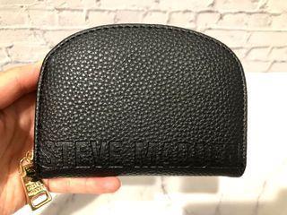 (清倉特價)Steve Madden壓紋黑色荔枝皮紋半圓形拉鍊錢包短夾零錢包