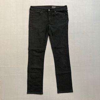 Celana longpants jeans uniqlo size 30 slim fit heattech murah