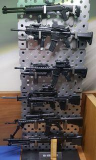 1/16 scale Gun Set with Display