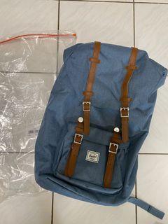 (全新)Herschels 淺藍咖啡皮條 男款後背包