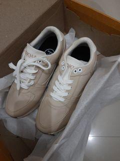 Nokha sepatu size. 36