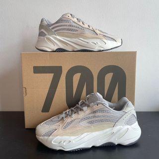 Yeezy 700 V2 Cream