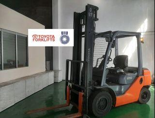 2011 CERTIFIED USED (Silver) Toyota Forklift Counter Balance Diesel 2.5 tons 62-8FD25
