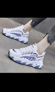 Sepatu sneakers model korea