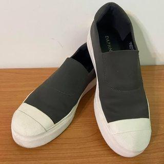 DAPHNE達芙妮墨綠色平底鞋(37/23.5)
