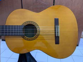 Gitar Yamaha CS40 Akustik Nylon