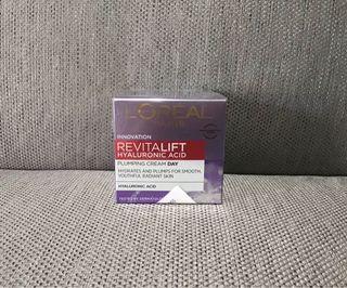Loreal Paris revitalift hyaluronic acid plumping cream day
