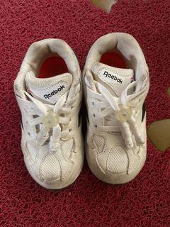 Reebok童鞋