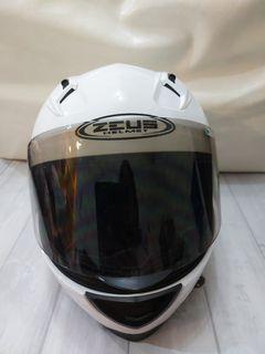 ZEUS瑞獅白色安全帽 型號ZS-821 戴過5次內