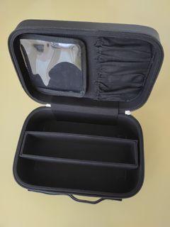 全新 硬質拉鍊萬用手提化妝箱 收納箱