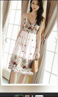 Fashmob Dania Embroidery dress in white